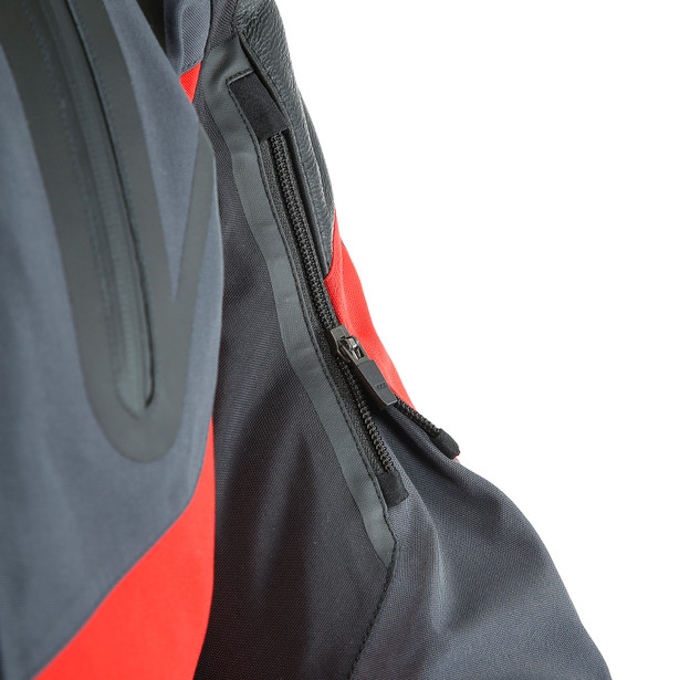 SPORT MASTER GORE-TEX JACKET BLACK/LAVA-RED/EBONY- Gore-Tex®