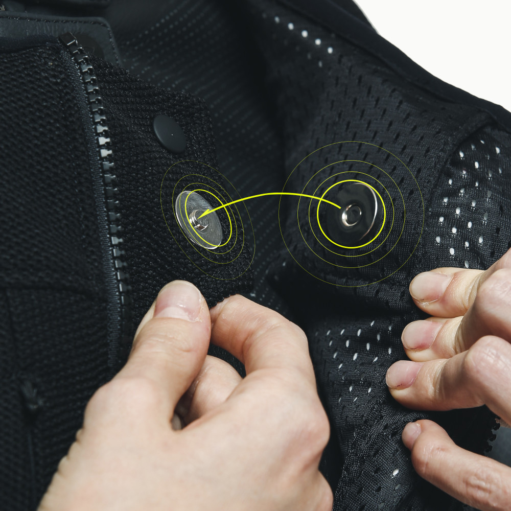 Switch on the Dainese D-air® system