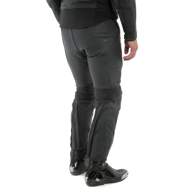 PONY 3 PERF. LEATHER PANTS BLACK-MATT- Leder