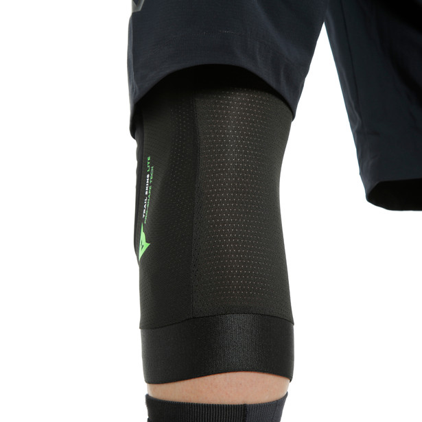 TRAIL SKINS LITE KNEE GUARDS BLACK- undefined
