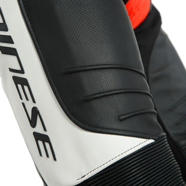 LAGUNA SECA 5 1PC LEATHER SUIT PERF. BLACK/WHITE/FLUO-RED- Tute in pelle
