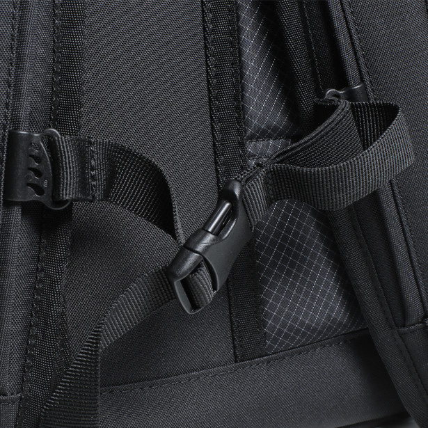 D-THROTTLE BACKPACK STEALTH-BLACK- Bags
